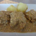 Pollo a la pepitoria, una deliciosa receta centenaria.