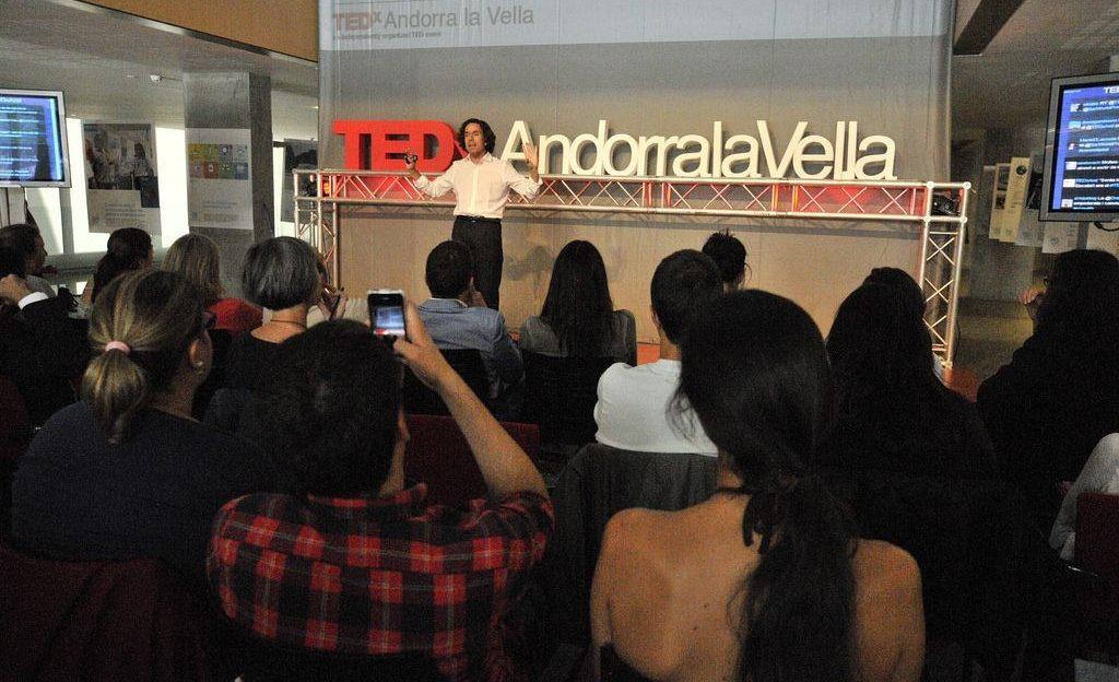 Cesar Sar en charla TED
